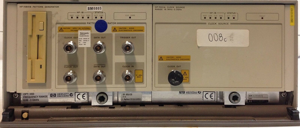 HP / Agilent 70841B OPT H30 w/ 70311A Clock Source and 70001A Mainframe