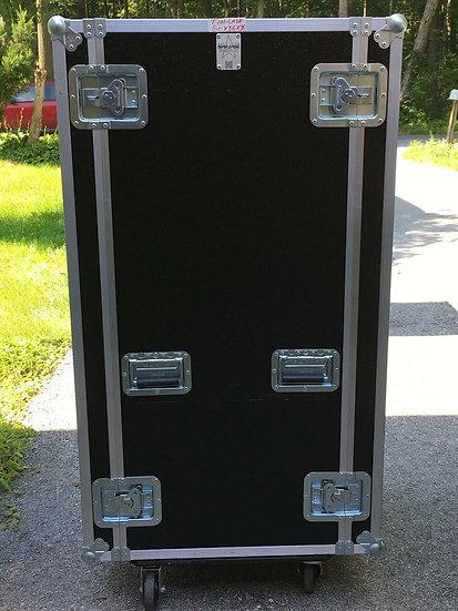 Starcase inc Shipping Case 54 x 28 x 28 w/ wheels great shape