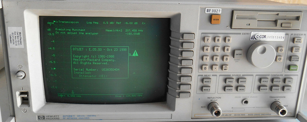 Agilent 8712ET RF Network Analyzer 300 kHz-1300 MHz w 1E1