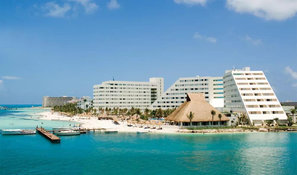 Oasis Palm - Cancun, MX