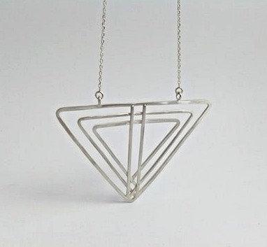 Sautoir triangles cosmic