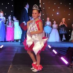 1200-151429379-miss-beauty-pageant.jpg