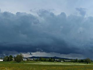 Pourquoi averses et orages vont persister durablement ?