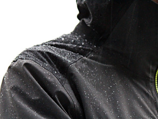 Veste MH900 Quechua : au sec dehors et dedans