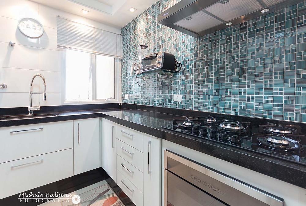 fotografia de arquitetura e interiores: cozinha e pastilhas
