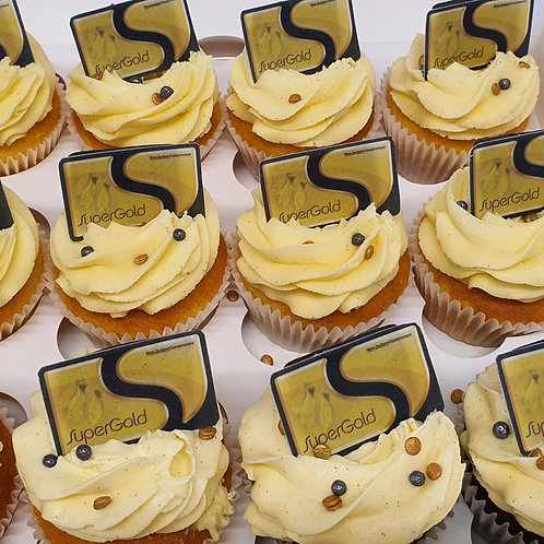 Super Gold Card - 65 Years Theme Cupcakes