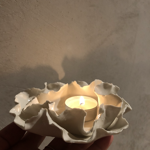 Porcelain water lily candle holder