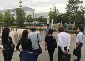 ララ物資の記念碑(みなとみらい新港地区)