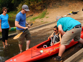 People with Physical and Mental Disabilities Can Paddle