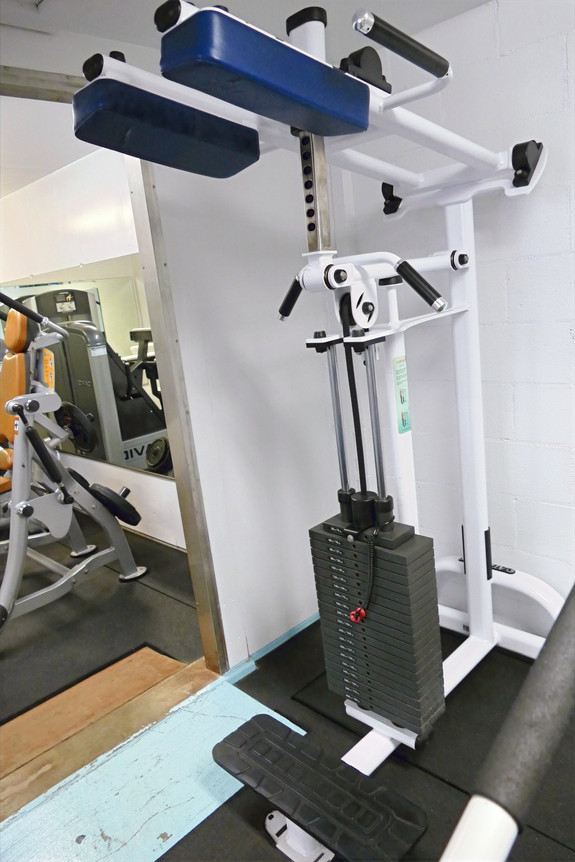 Atlantis Standing Calf Machine
