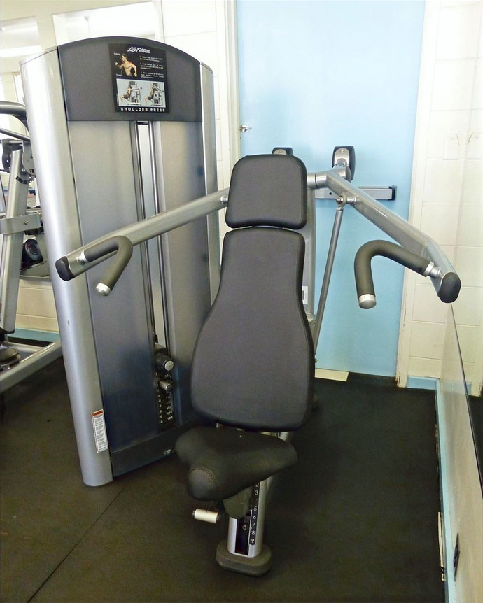 Life Fitness Signature Series Shoulder Press