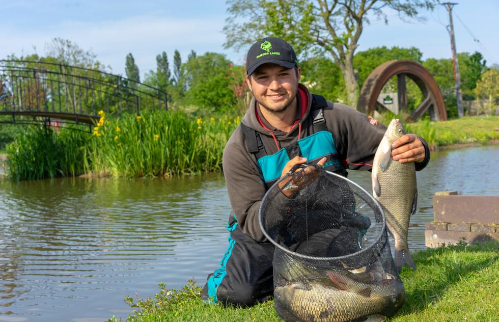 22 Fishing at Caistor Lakes  Jigsaw Poto