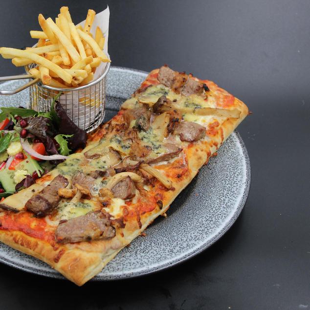Steak & Stilton Flatbread Pizza