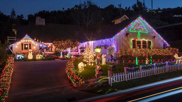 christmas_lights_0_cropped.jpg