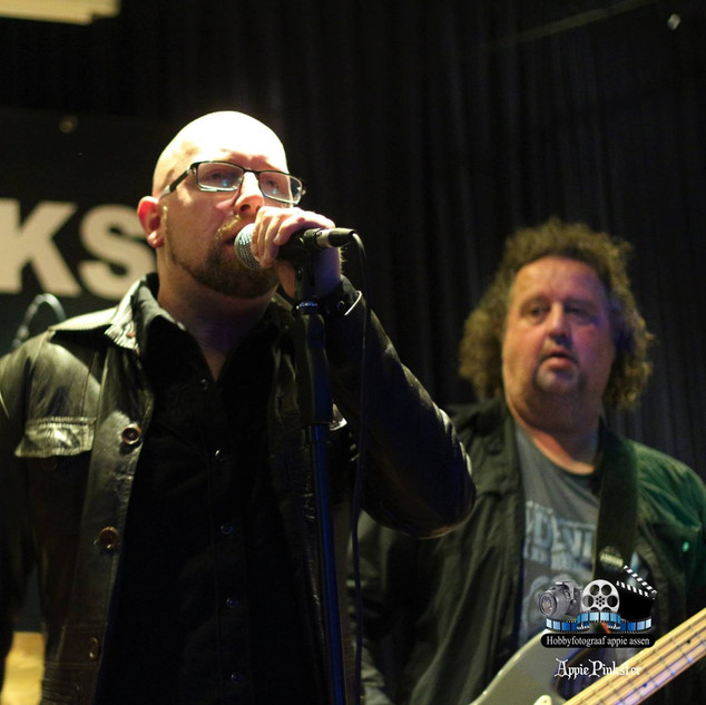 Pinkster Blues In Pekel