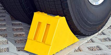 calços_para_pneus_de_caminhões1.jpg