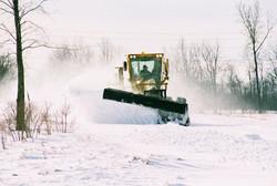 phoca_thumb_l_grader in snow