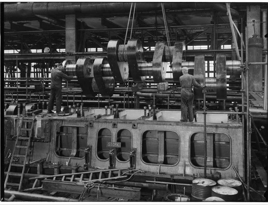 Stork Dieselmotoren montage helft krukas