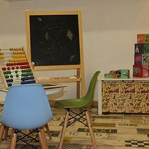 Baby time para bebés de 1 a 3 años, con educadores especializados en pedagogías respetuosas con la infancia en cooperación con las familias