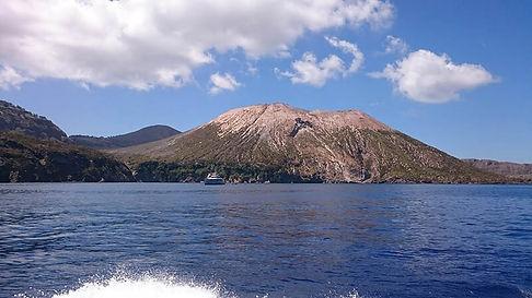 tour-isole-eolie-da-taormina.jpg