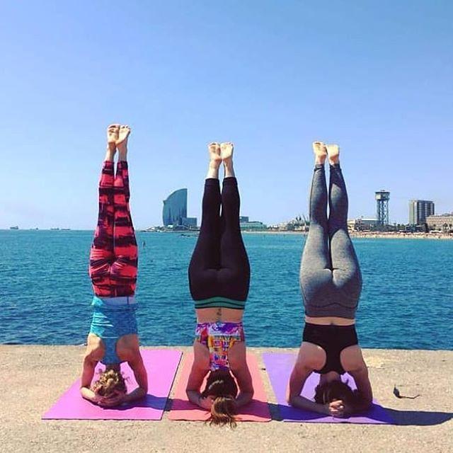 Headstand Yoga Girls Barcelona