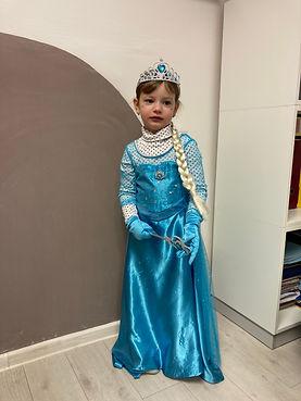 Elsa 4.JPG