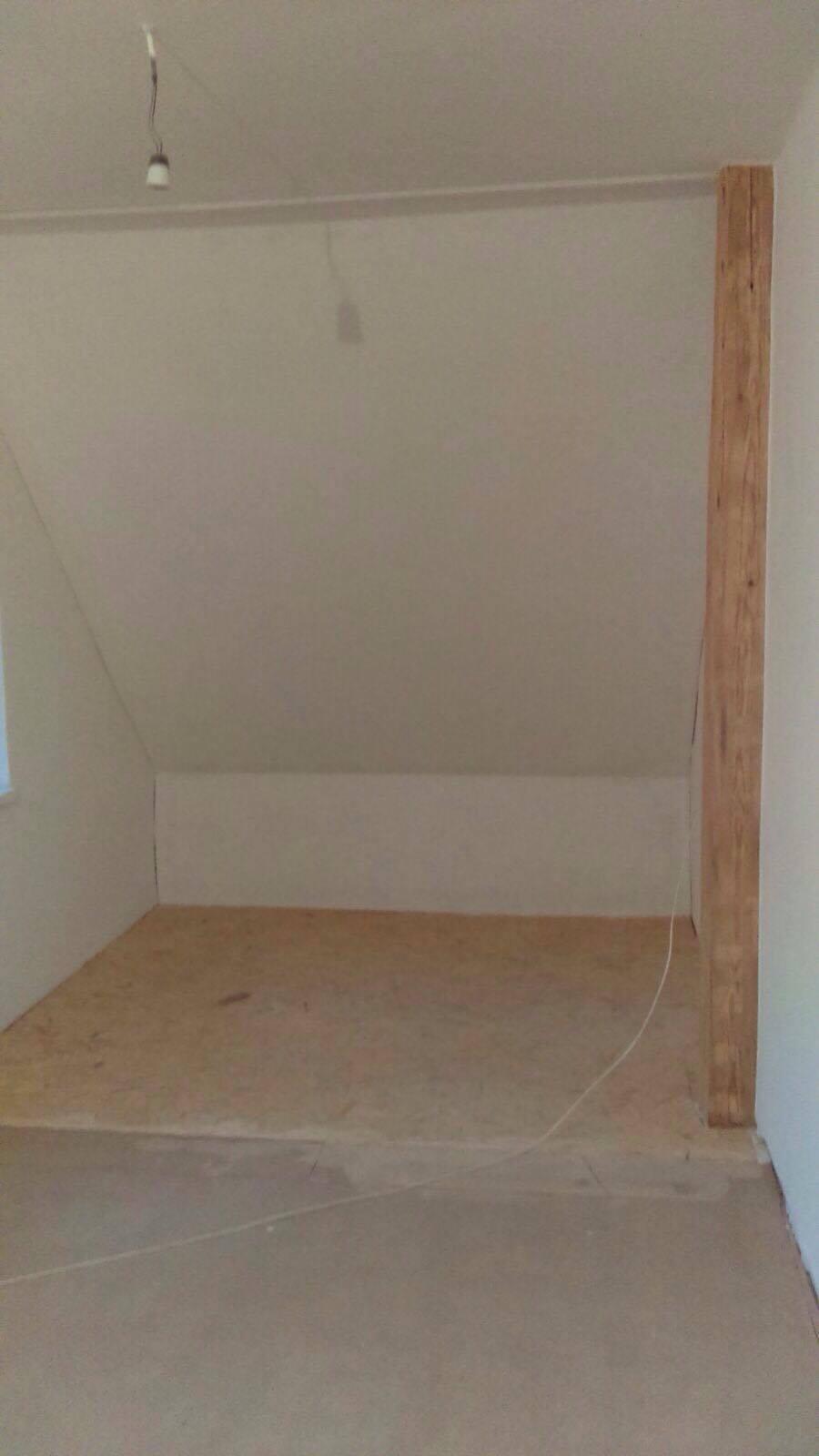 Remont sypialni - powiększenie sypialni o magazyn w poddaszu