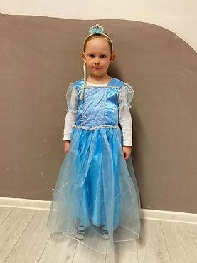 Elsa 3.JPG