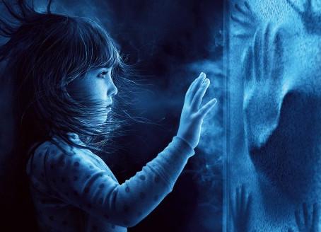 Les fantômes et le monde des vivants