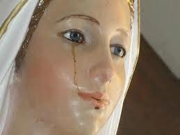 Les statues qui pleurent du sang