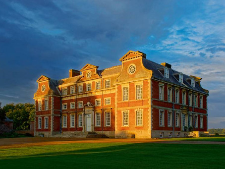 La maison de Raynham Hall abrite-t-elle la dame brune ?