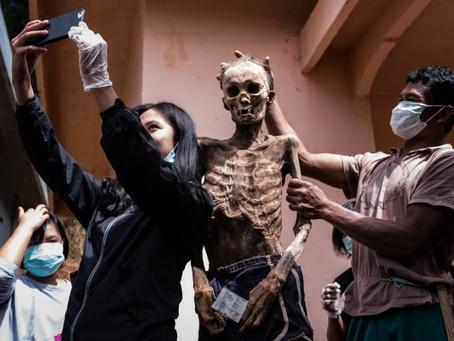 Cohabiter avec des cadavres : une tradition ancestrale made in Toraja.