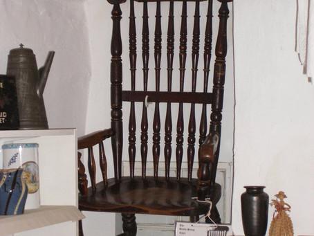 La chaise maudite