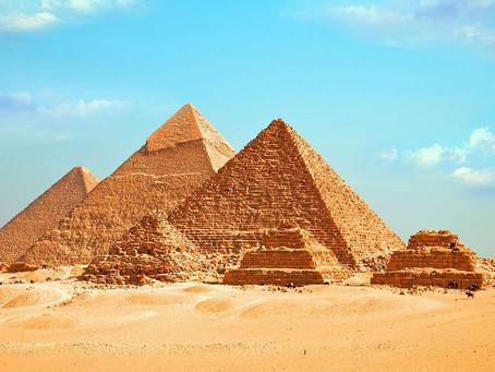 Les pyramides, inventions des extraterrestres ?