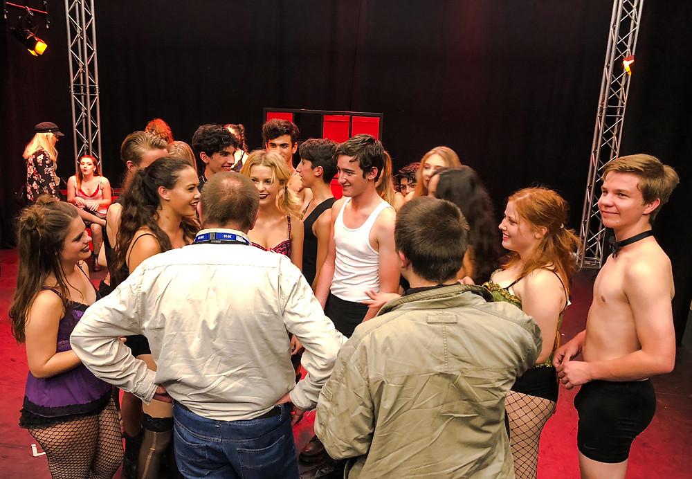 演出結束,現場觀眾與藝人藝團即時交流,分享感受。Yu Chin Ho Brian攝