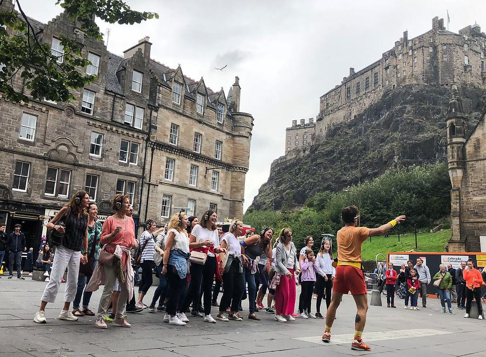 每年八月,大量旅客前往愛丁堡觀光,既可欣賞古城風光,又可享受節慶氣氛。Yu Chin Ho Brian攝