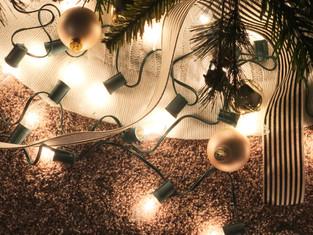 Christmas Decor + DIY Pom Pom Garland