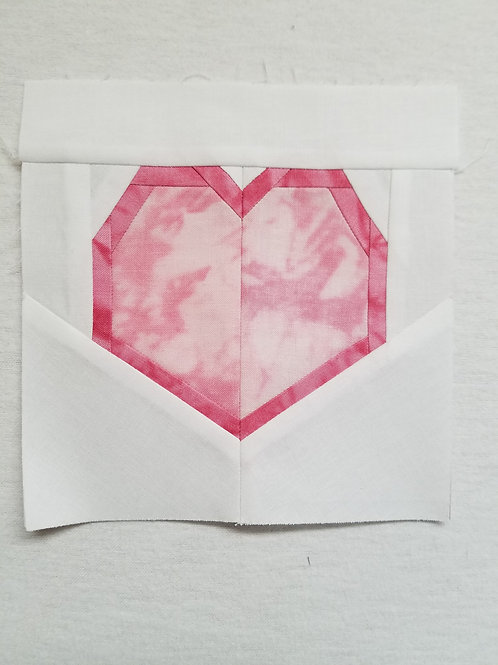 Outlined Heart Quilt Block