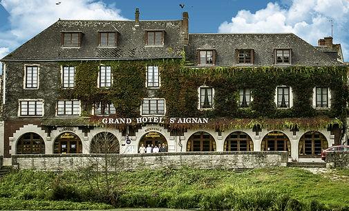 photo-grand-hotel-facade.jpg