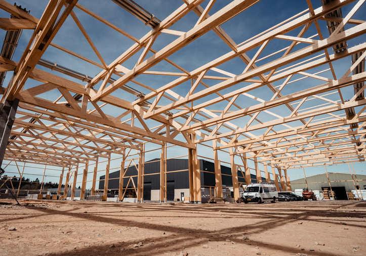Hall Strucutre bois lamellé-collé, Poutre Treillis bois, Plancher bois, Hall industriel, Toit plat, Voûte filante Lumière du jour