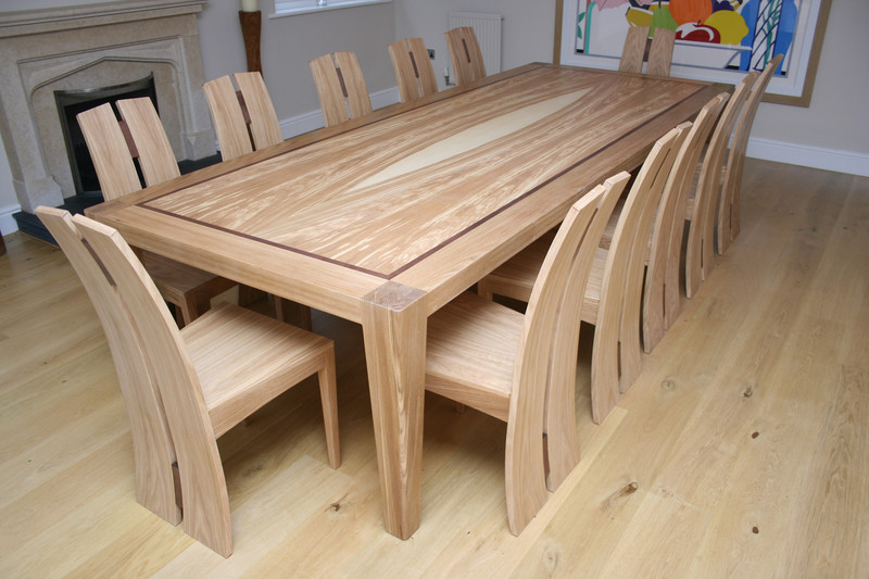 david-tragen_mandorla-dining-table-and-chairs