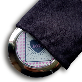 compact-black-pouch.png