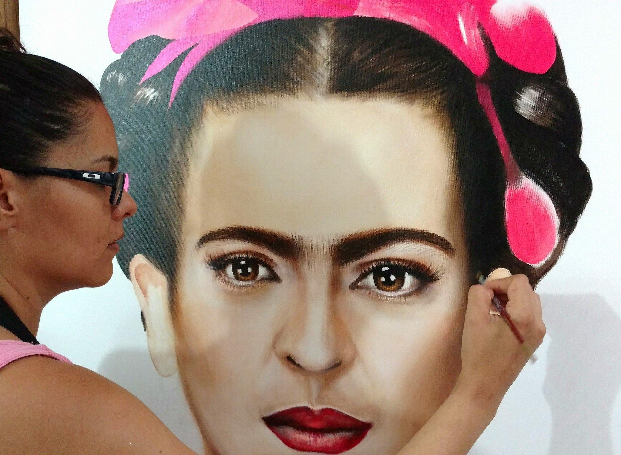Retrato realista de Frida