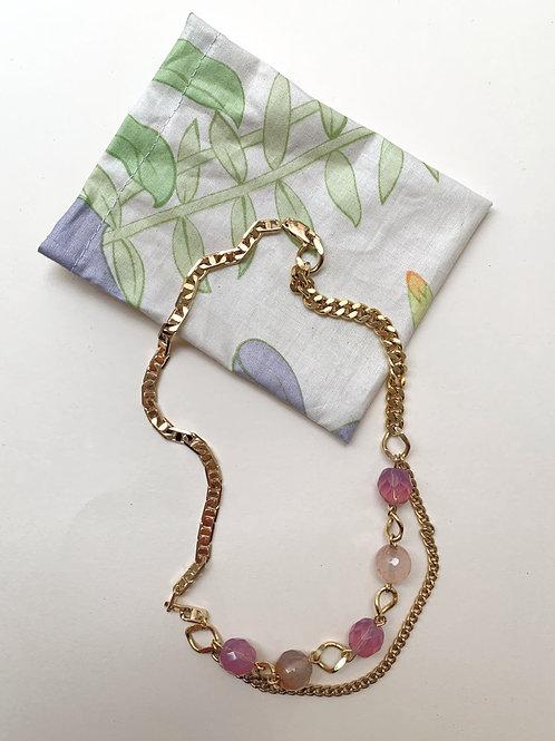 Collier plaqué or, perles rosées et violettes   Gigi-Antoinette