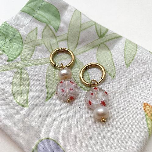 Mini-créoles cernées de perles millefiori roses   Gigi-Antoinette