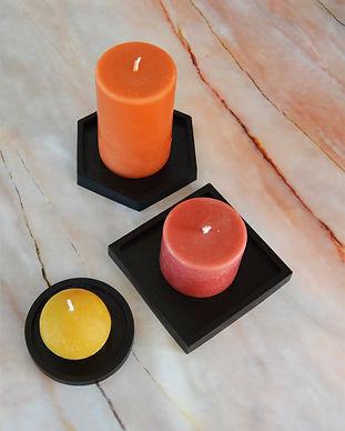 Onderzetters epoxy zwart met gekleurde kaarsen.jpg