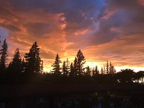 sunset above the resort_www.jpg