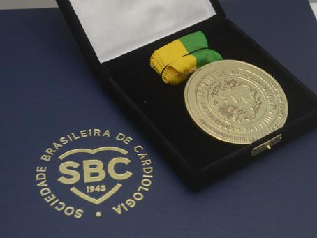 Prêmio Mérito SBC é entregue a destaques da cardiologia
