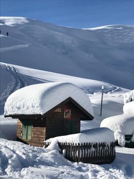 Verschneites Haus.jpg