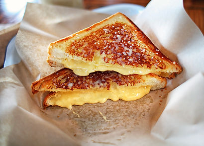 Grilled cheese sandwich gourmet four che